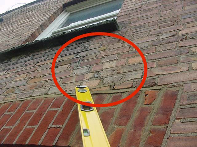 cracking to brickwork